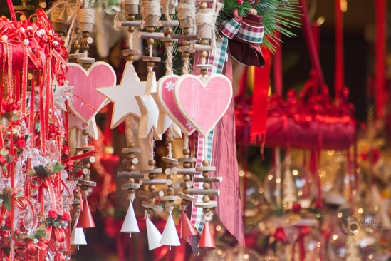 Wooden-hearts-and-stars-ornaments-with-small-red-and-white-bells